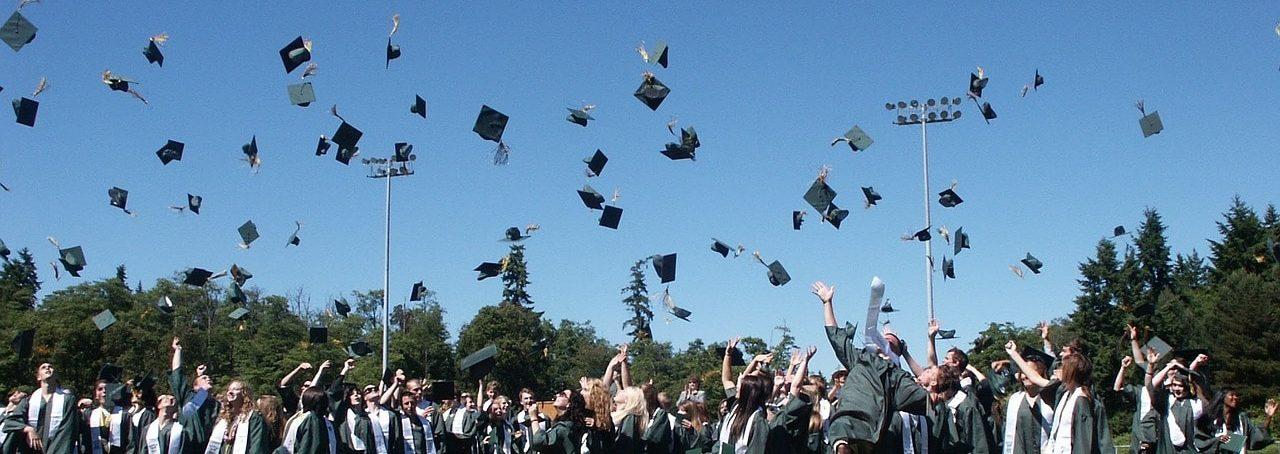 remise des diplômes étudiants yearbook